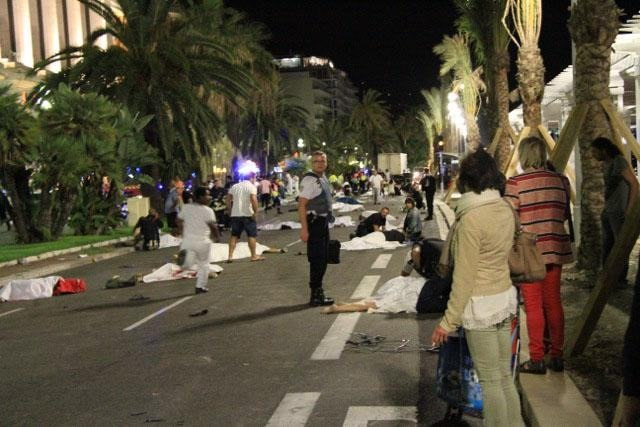 nice-terrorist-attacks-12