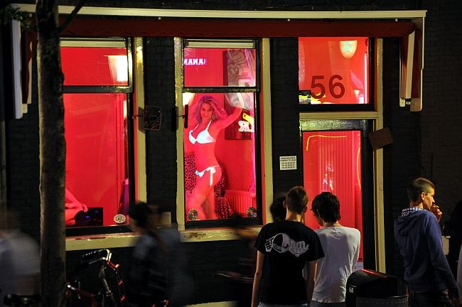 red_street_amsterdam-web